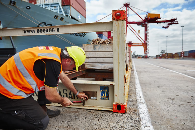 Certifying lifting equipment at Melbourne Port
